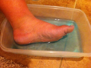 Listerine and Vinegar Foot Soak